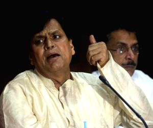 Press conference - Swami Agnivesh, Ali Anwar