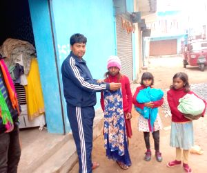 Jharkhand man, struggling to feed own family, gives free clothes to poor