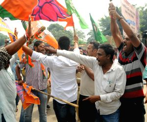 Clash between JMM and BJP workers