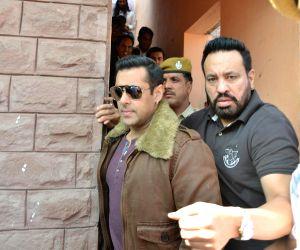 Salman Khan appears before Jodhpur Court