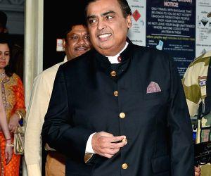 Mukesh Ambani arrives in Jodhpur