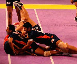 Pro Kabaddi League - Puneri Paltan vs Bengal Warriors