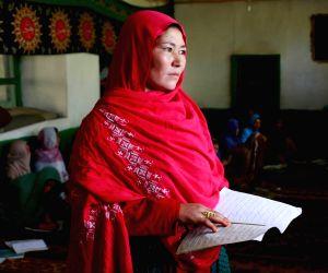 AFGHANISTAN-BAMYAN-WOMEN-LITERACY COURSE