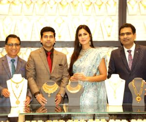 New Delhi:T S KAlyanaraman, Ramesh Kalyanaraman, Katrina Kaif at the launch of a jewellery store