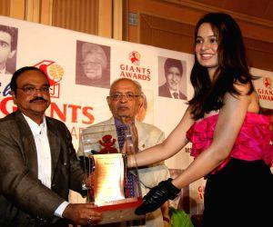 Kangana Ranaut at Giants International Award at Trident.