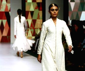 PAKISTAN-KARACHI-FASHION WEEK