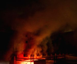 Karachi (Pakistani): Factory fire