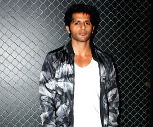Karanvir Bohra, Teejay to launch organic energy bars