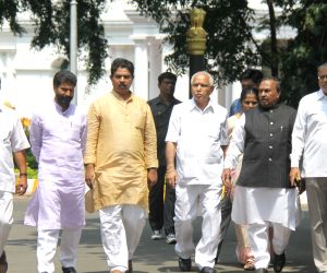 BJP leaders meet Karnataka Governor over drought situation