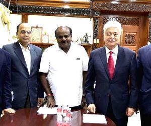 Azim Premji meets H.D. Kumaraswamy