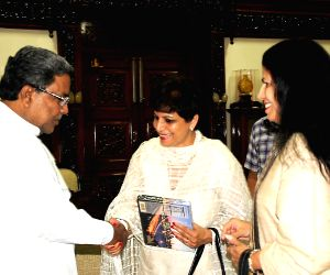Karnataka CM meets medical delegation from California