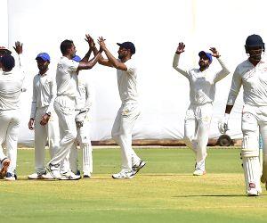 Ranji Trophy 2020 - Karnataka Vs Baroda