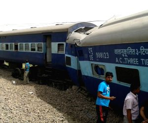 One killed as train derails in UP