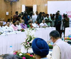 Kerala Chief Minister Pinarayi Vijayan, 15th Finance Commission Chairman N.K. Singh along with the members, during formal presentations made by the state government at a meeting, ...