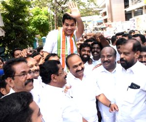 Kochi: Lok Sabha candidate of Congress-led United Democratic Front (UDF), Hibi Eden celebrates after he emerged victorious from the Ernakulum Lok Sabha Constituency in the 2019 Lok Sabha elections, at the Kerala Congress headquarters in Kochi on May