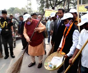 : 'Clean India Campaign' - Assam Governor