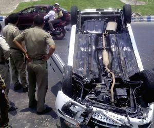 Car turns turtle in Kolkata