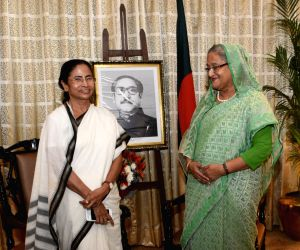 Hasina, Mamata discuss education, culture, business