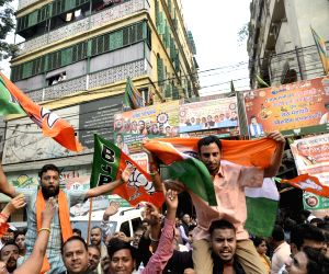 Mixed reactions in Bengal a day after CAB passage