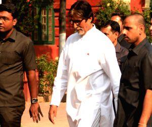 Amitabh Bachchan at Jorasanko Thakurbari