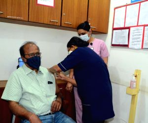 1,576 senior citizens vaccinated on Day 1 in Karnataka