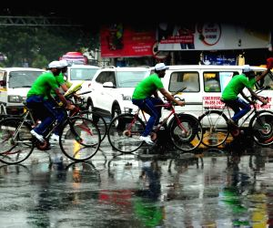 Sudden rains bring brief respite to Kolkata