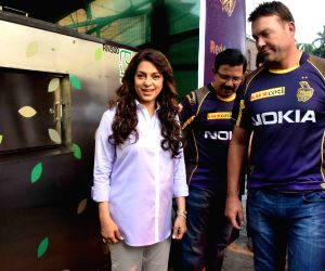 KKR Co-owner and coaches unveil recycled waste installation at Eden Gardens