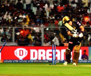 Delhi win toss, ask KKR to bat first
