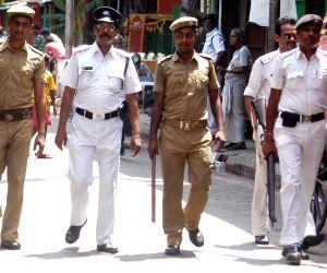 Kolkata Police conducts flag march