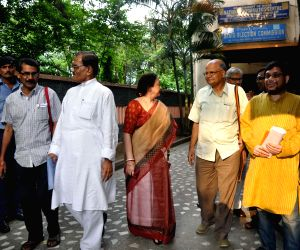 Leaders of various political parties meet WB Election Commissioner