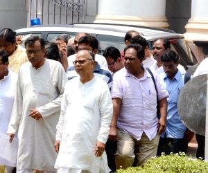 Left Front legislators walk out of WB assembly