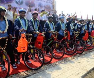 Kolkata-Ahmedabad cycle rally