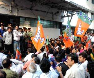 BJP supporters agitate inside Alipur Police station