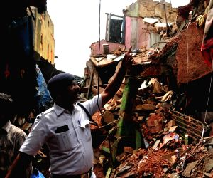 Two killed in Kolkata building collapse
