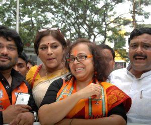 Rupa Ganguly, Babul Supriyo campaign for BJP