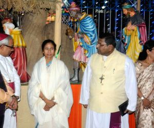 WB CM during the 4th Kolkata Christmas Festival
