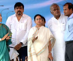 WB CM inaugurates flyover on VIP Road