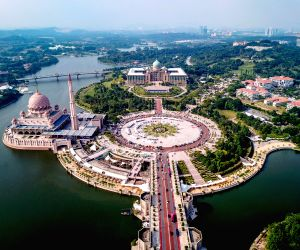 MALAYSIA KUALA LUMPUR PM PARLIAMENT DISSOLUTION