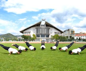 KUNMING, June 21, 2018 - Freshmen of the India-China Yoga College of Yunnan Minzu University practise yoga in Kunming, southwest China's Yunnan Province, June 21, 2018. The UN General Assembly ...