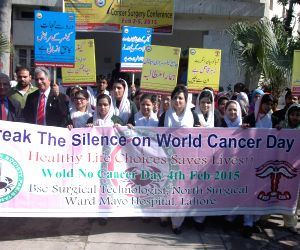 PAKISTAN-LAHORE-WORLD CANCER DAY