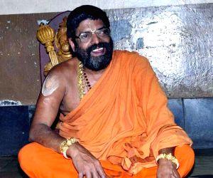 Karnataka's seer dead, doctors suspect poisoning
