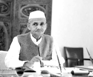 56 kg gold given to weigh then PM Shastri in 1965 to go to govt