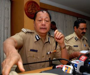 DG, IGP addressing media about yesterday's bomb blast in Bengaluru