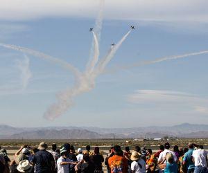 U.S.-LOS ANGELES COUNTY AIR SHOW-THUNDERBIRDS