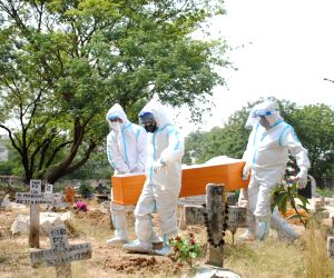 Land crisis in Delhi's cemeteries leads to multiple & ash burial