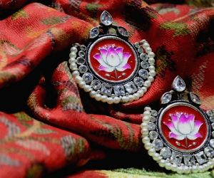 Diwali 2019: Best picks for your last minute festive shopping