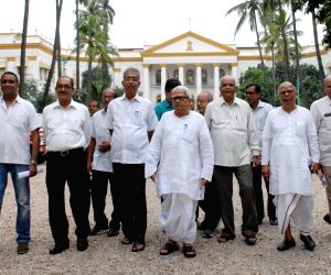 Left leaders meet WB Governor