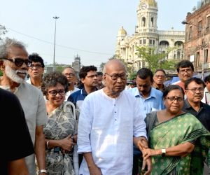Left intellectuals' rally against violence