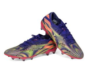 Lionel Messi's record-setting boots to be auctioned
