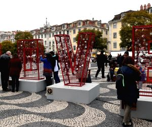 PORTUGAL LISBON SCUPLTURE PADLOCK VALENTINE'S DAY